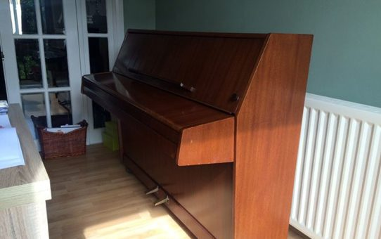 specialist piano movers